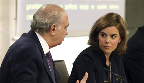 Soraya Sáenz de Santamaría y Fernández Díez recién aprobado el proyecto de la que denominan Ley de Seguridad Ciudadana