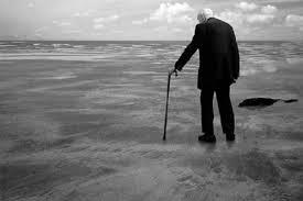 anciano.caminando